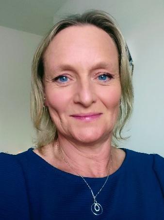 Lorraine a fibromyalgia patient using CBD